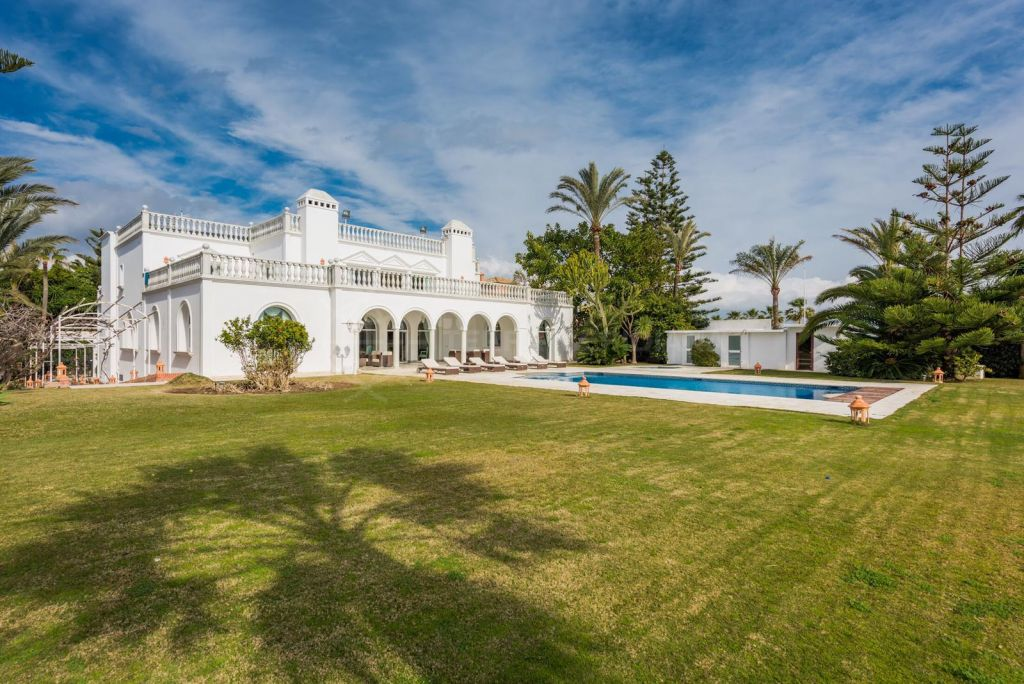 San Pedro de Alcantara, Breathtaking palacete style luxury beachfront villa with far-reaching sea views for sale in Guadalmina Baja, Casasola