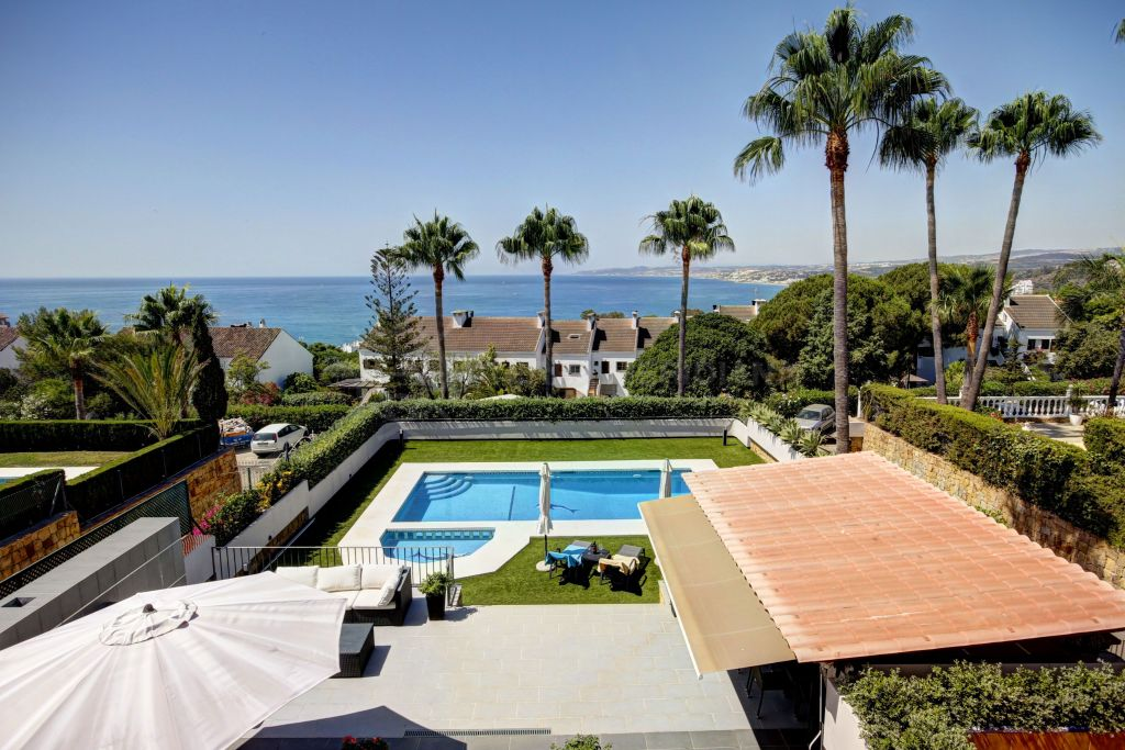 Estepona, Magnificent 6 Bedroom Villa for sale in Seghers, Estepona