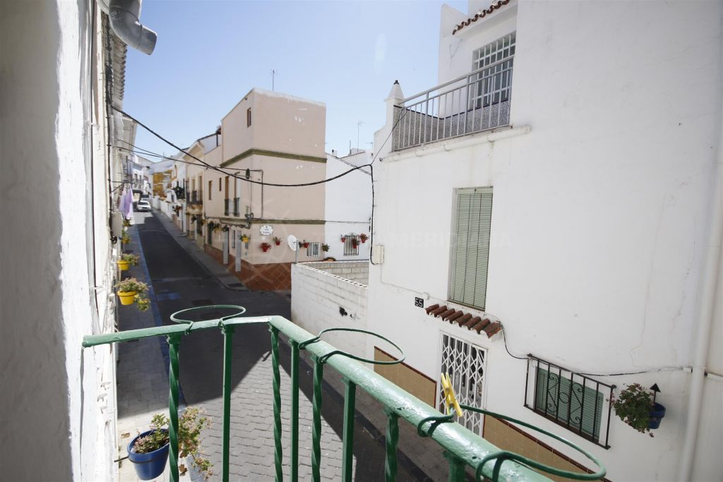Estepona, Quaint townhouse for sale in Estepona old town, very close to the beach