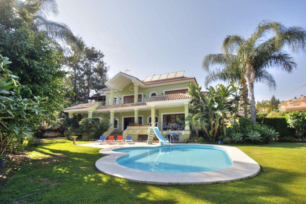 Benahavis, Beautiful Spanish style villa for sale in Paraiso Alto, Benahavis