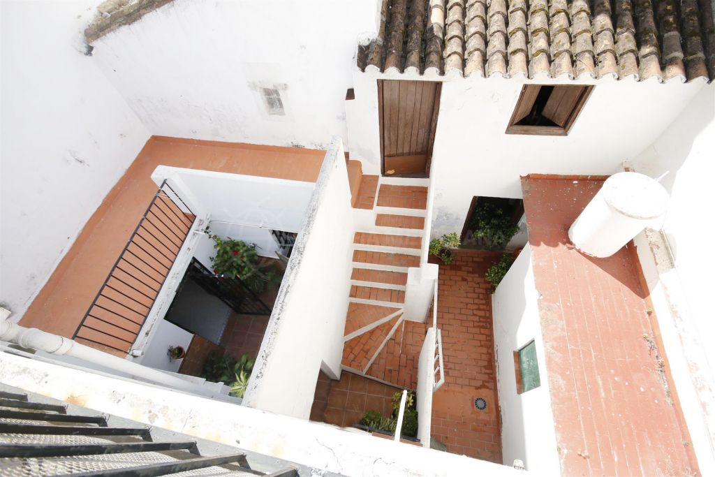 Estepona, Large townhouse or development opportunity in the town centre of Estepona, close to all amenities