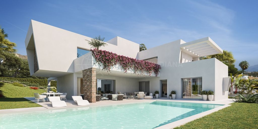 Estepona, Off plan timeless contemporary villa of extraordinary quality for sale in Las Perlas de Monte Biarritz, Estepona