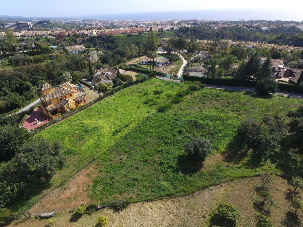 Marbella Golden Mile, Exceptional plot with project overlooking the Mediterranean coastline in the ultra-exclusive neighbourhood of Camojan, Marbella Golden Mile