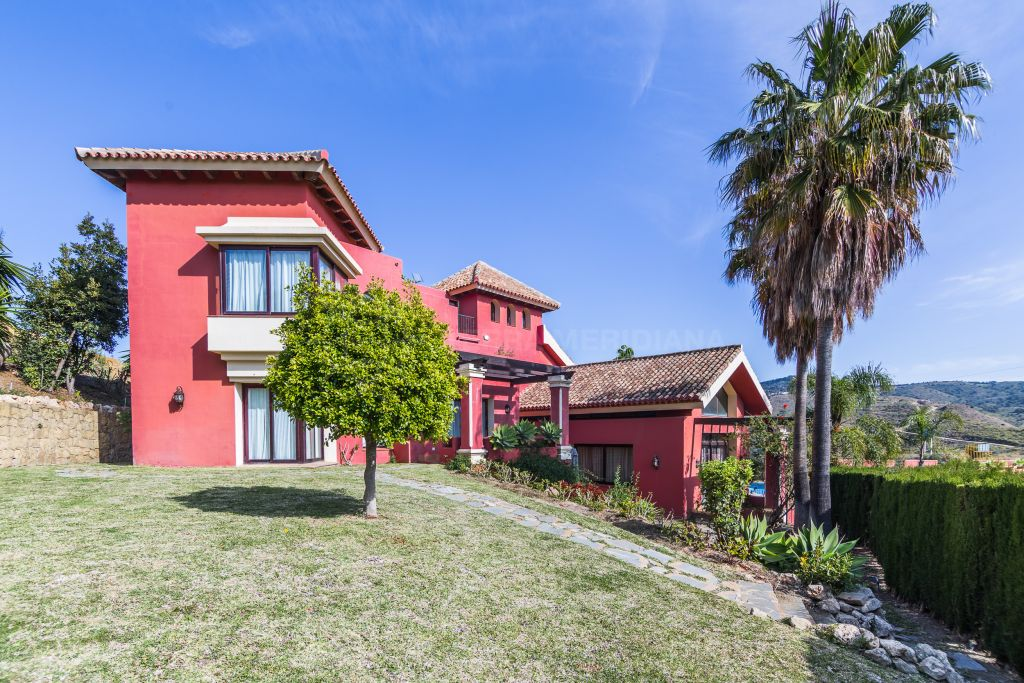 Marbella East, Light-filled spacious rustic-modern villa with scenic vistas for sale in Hacienda Las Chapas, Marbella East