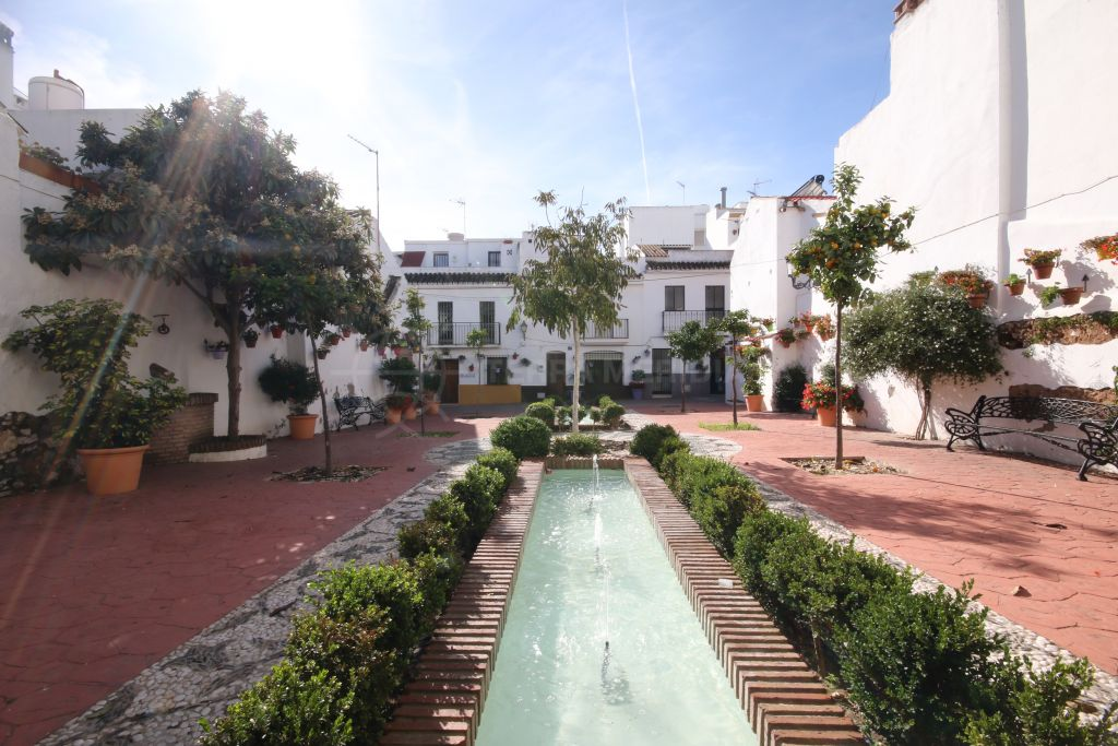 Estepona, Plot for sale in the old town centre of Estepona, very close to the beach and Plaza Ortiz