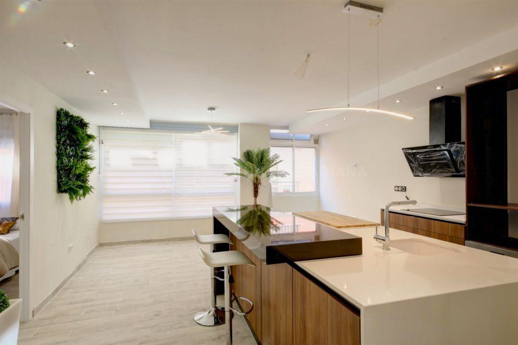 Estepona, 4th floor apartment for sale in Estepona town centre, 50 m from the main beach in Estepona and promenade
