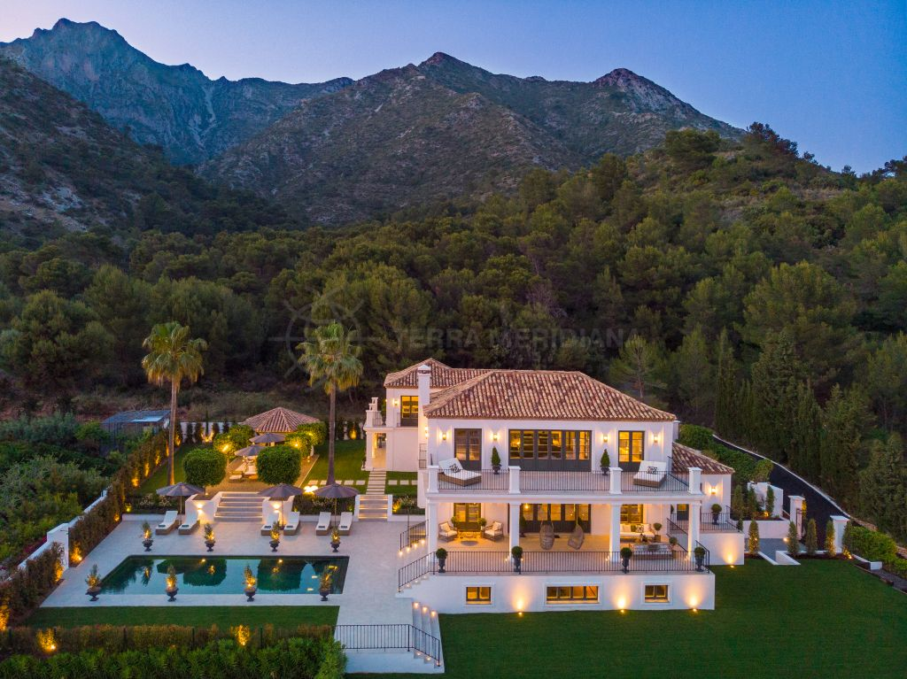 Marbella Golden Mile, Unprecedented deluxe villa overlooking the coast for sale in the prestigious gated community of Sierra Blanca, Marbella Golden Mile