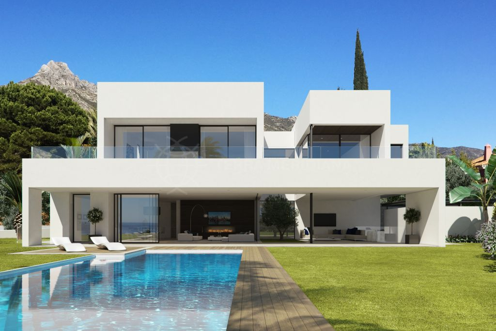 Marbella Golden Mile, Plot with sea views and project and license in progress for sale in the highly desirable Las Lomas del Marbella Club, Marbella Golden Mile