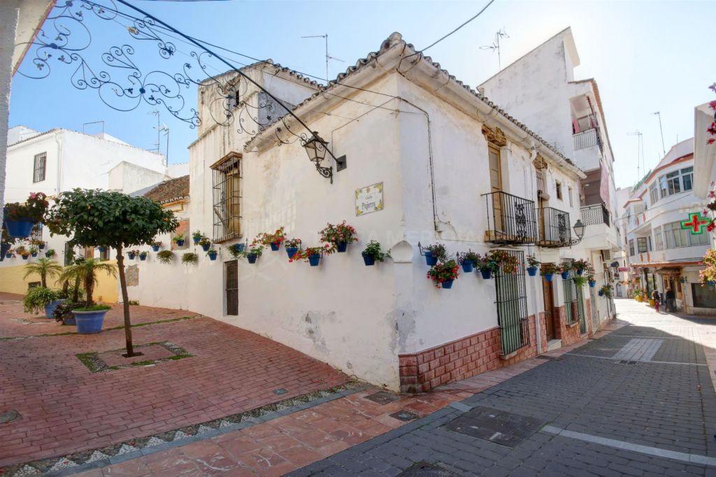 Estepona, Parcela en venta en Estepona, con proyecto para apartamentos, a 100 metros de la playa