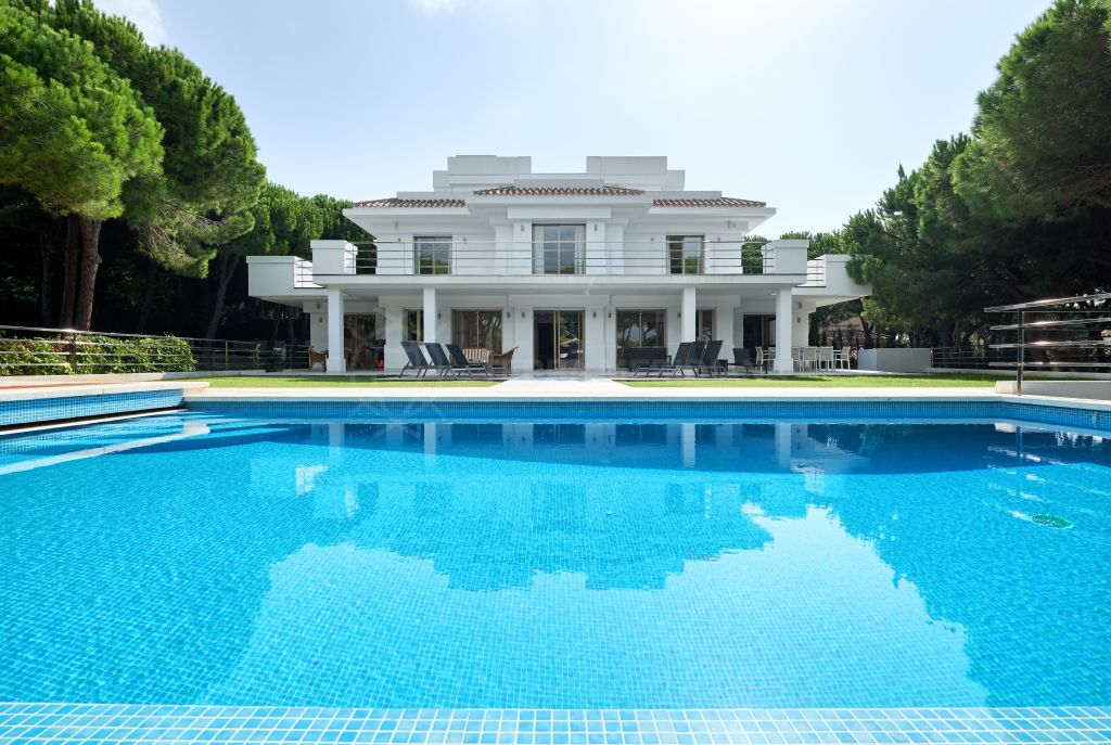 Marbella East, Exceptional new built villa set in a park-like garden for sale in Hacienda Las Chapas, Marbella East