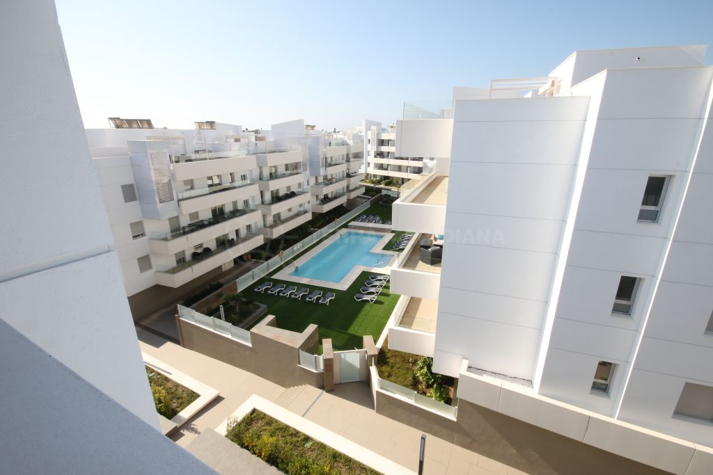 San Pedro de Alcantara, A brand new beach side penthouse walking distance to the San Pedro promenade