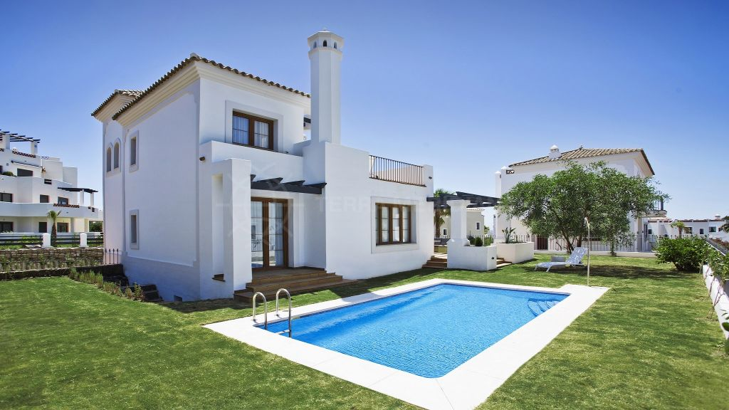 Estepona, Brand new turnkey Andalusian style villa for sale in the frontline golf development of Pueblo del Golf, La Resina, Estepona