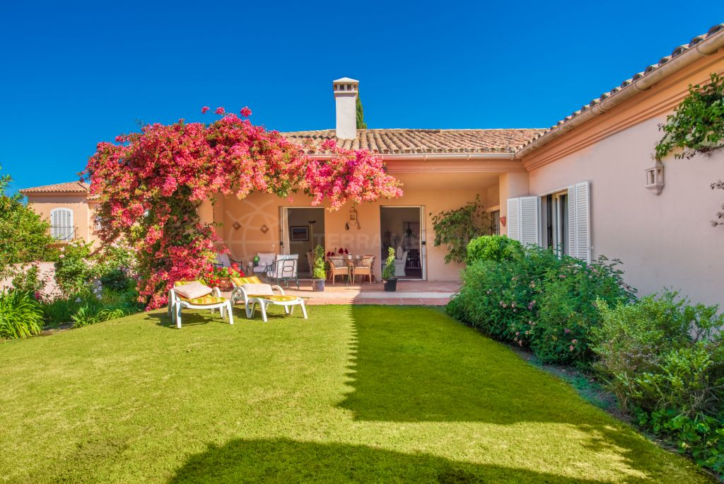 Sotogrande, Modern rustic style semi-detached house for sale in the highly desirable neighbourhood of Los Patios de Valderrama, Sotogrande