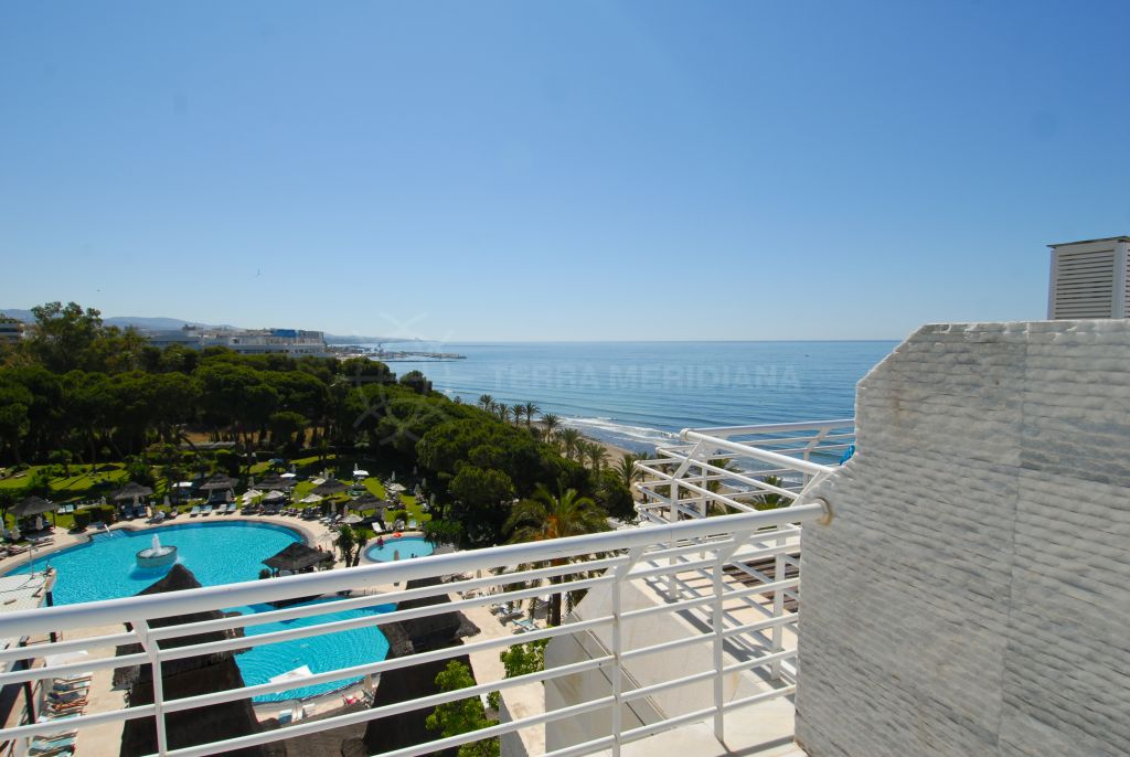 Marbella Golden Mile, Frontline beach luxury duplex penthouse with private plunge pool for sale in Marina Mariola, Marbella Golden Mile