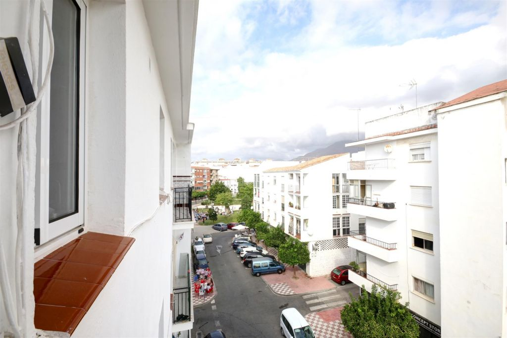 Estepona, 4th floor apartment with views to the orchidarium, Estepona town centre