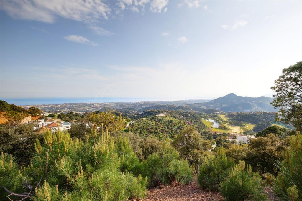 Benahavis, Plot for sale with sea views and project, La Zagaleta, Benahavis