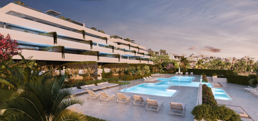 Estepona, Impressive penthouse apartment with large terrace for sale in El Campanario Hills, New Golden Mile, Estepona