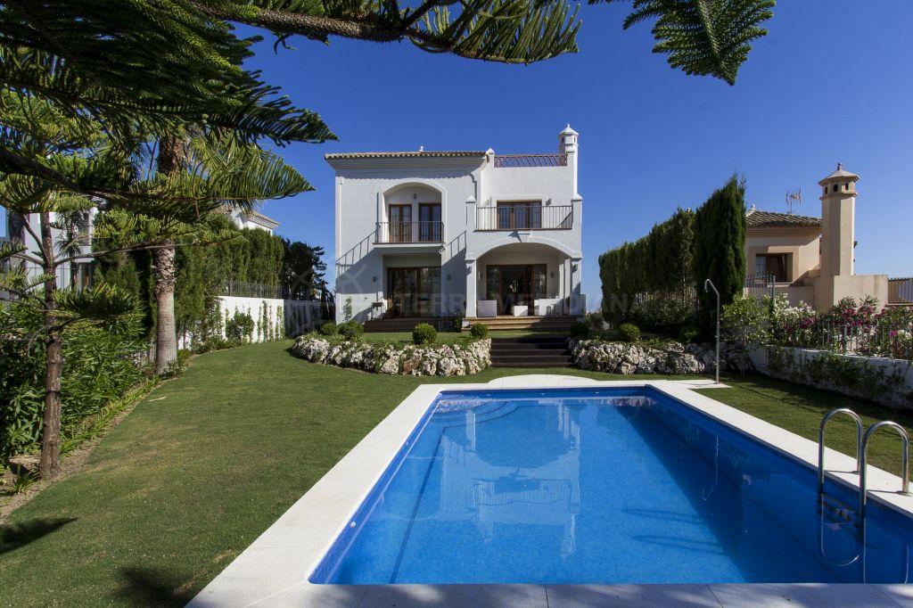 Estepona, Gorgeous brand new villa with fantastic sea views for sale in Pueblo Golf Villas, La Resina Golf, Estepona
