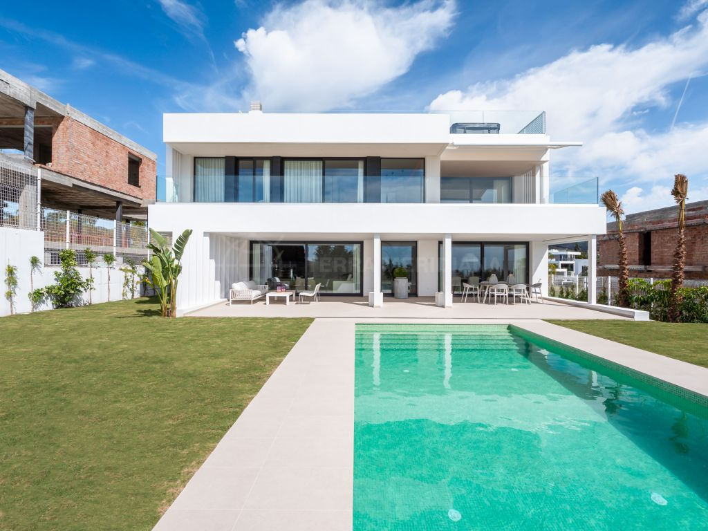 Estepona, Brand new contemporary villa with superb sea views for sale in Cancelada, Estepona