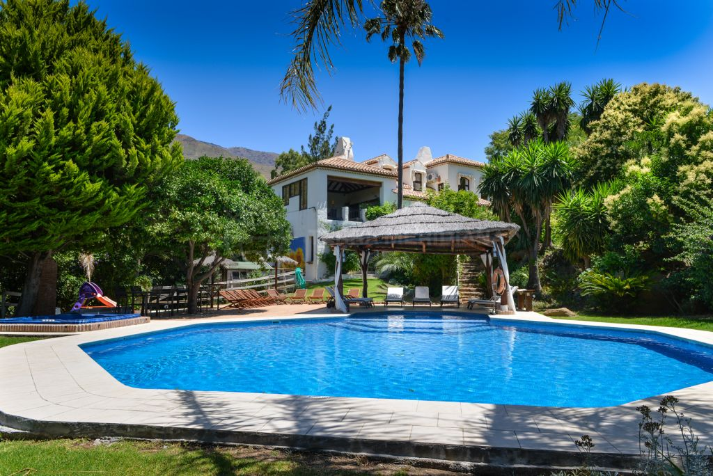 Casares, Unique country villa in peaceful surroundings and close to the beach for sale in Casares, Málaga
