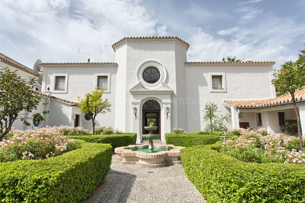 San Pedro de Alcantara, Remarkable cortijo style luxury property 200 metres from the beach for sale in Guadalmina Baja, San Pedro de Alcantara