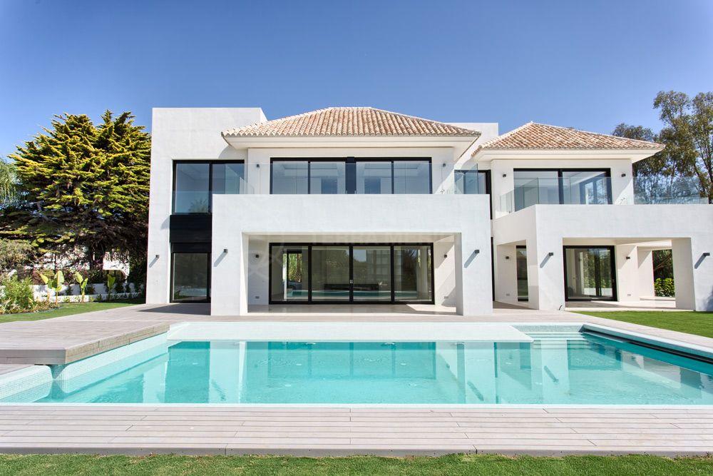 Estepona, Newly built beachside contemporary luxury villa for sale in Casasola, Estepona