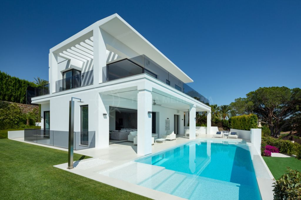 Marbella Golden Mile, Brand new spacious and sophisticated villa for sale in Nagüeles, Marbella Golden Mile