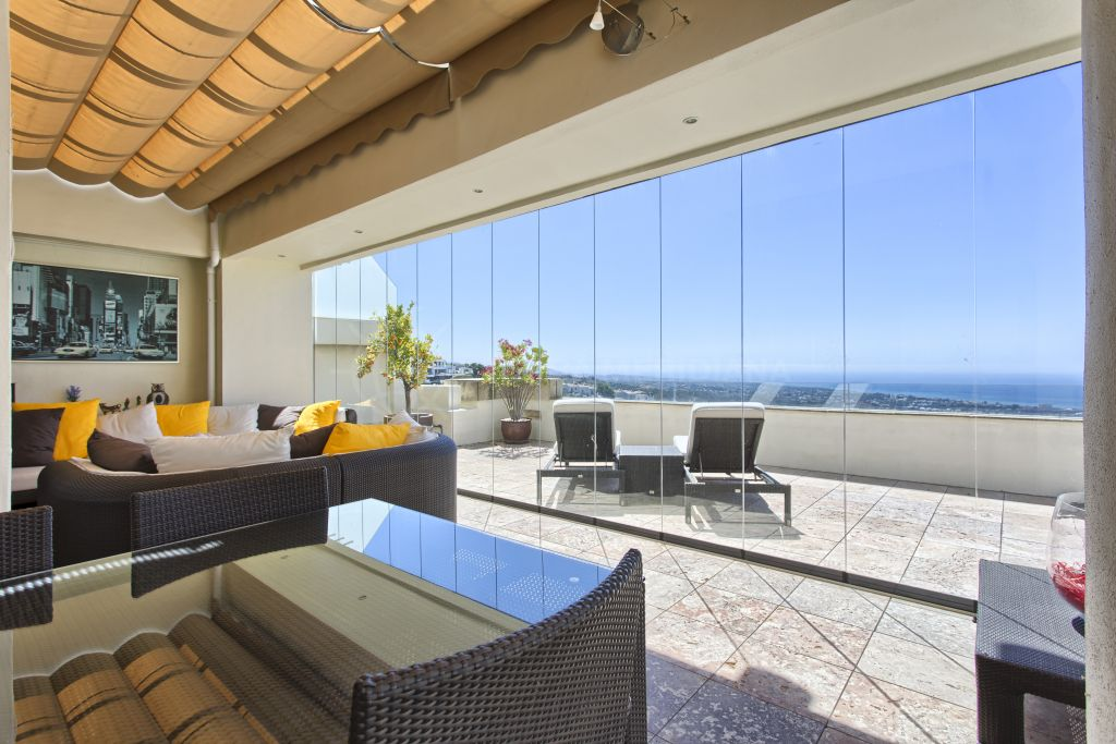Marbella East, Luxury duplex penthouse with rooftop Jacuzzi and far reaching sea views for sale in Los Monteros Hill Club, Marbella East