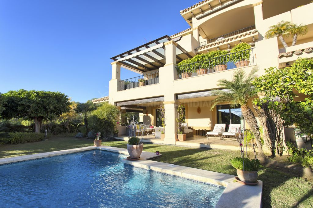 Nueva Andalucia, Elegant ground floor apartment with large private pool and garden for sale in Aloha Park, Nueva Andalucia, Marbella