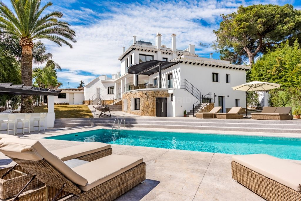 Marbella Golden Mile, Sleek contemporary luxury villa with sea views for sale in La Carolina, Marbella Golden Mile