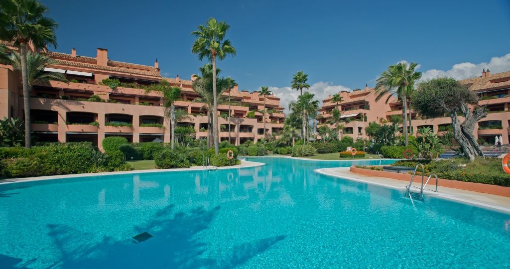 Marbella - Puerto Banus, Stunning 4 bedroom penthouse for sale in the luxury complex of Malibu, Puerto Banus, Marbella