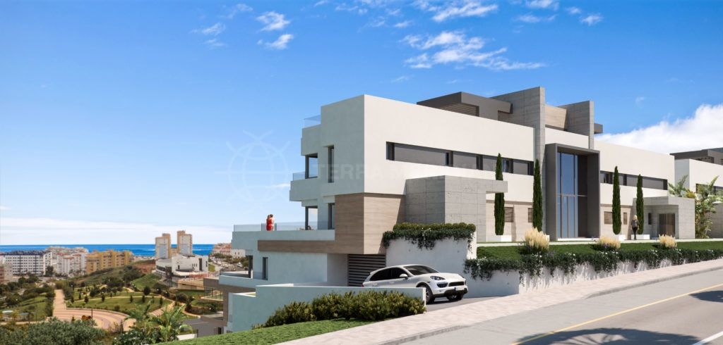Estepona, 2 bedroom apartment for sale in brand new complex in Estepona, walking distance to the port with sea views