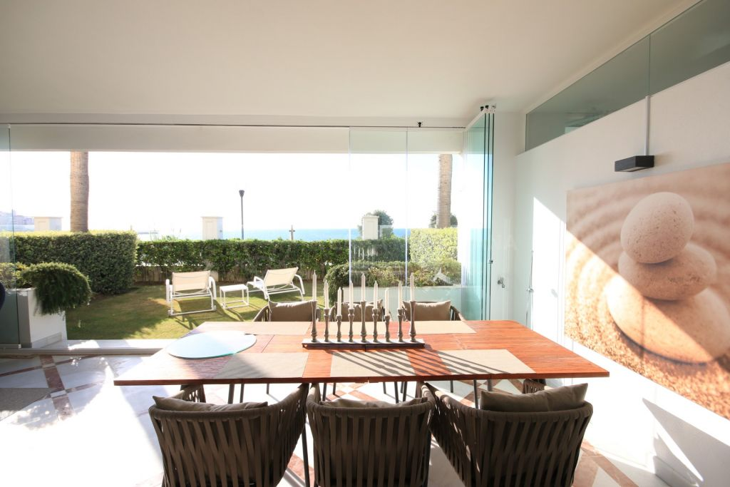 Estepona, Ground floor frontline beach apartment for rent in luxury gated complex Doncella Beach