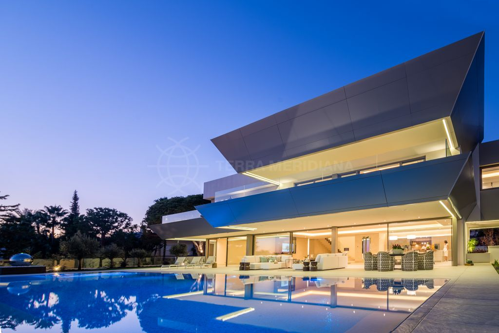 Marbella Golden Mile, Futuristic modern villa for sale in Nagueles, Sierra Blanca, Marbella Golden Mile