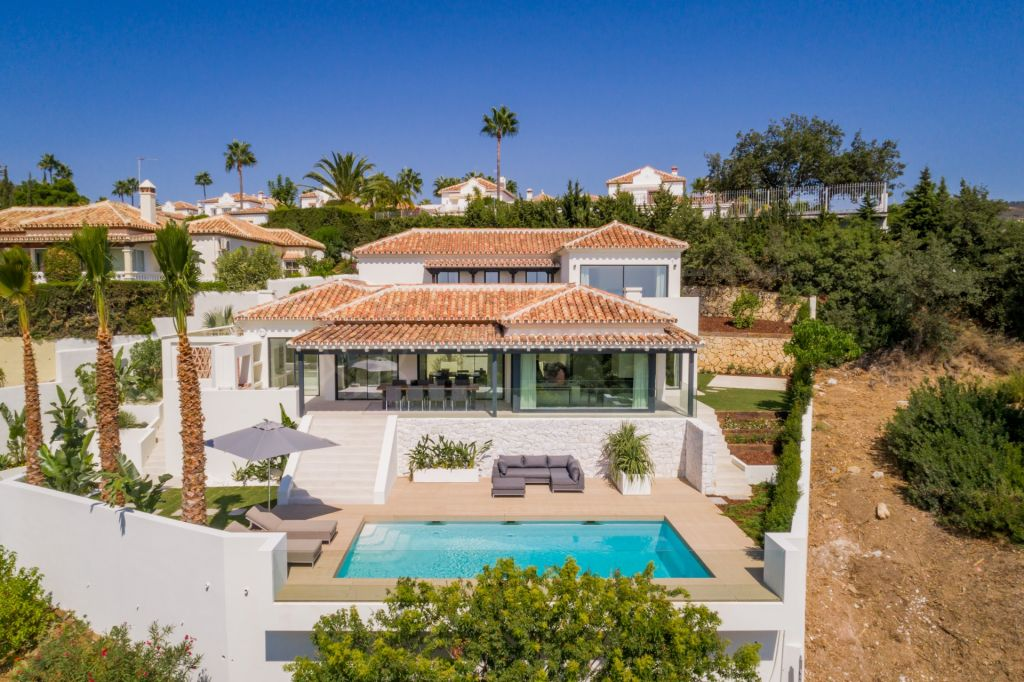 Marbella East, Stunning 4 bedroom villa for sale in Elviria, Marbella East, with panoramic sea views