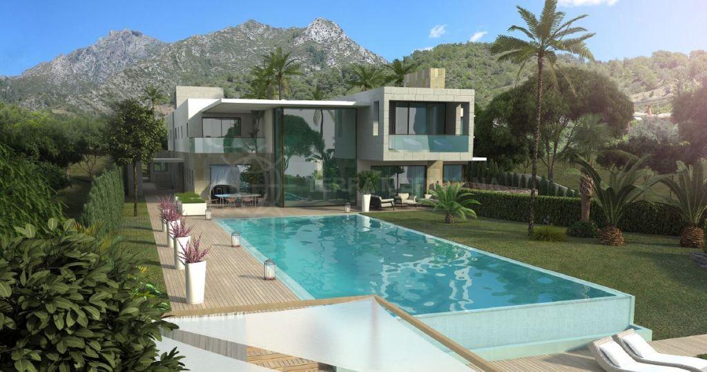 Marbella Golden Mile, Fabulous plot for sale in Cascada de Camojan, Marbella