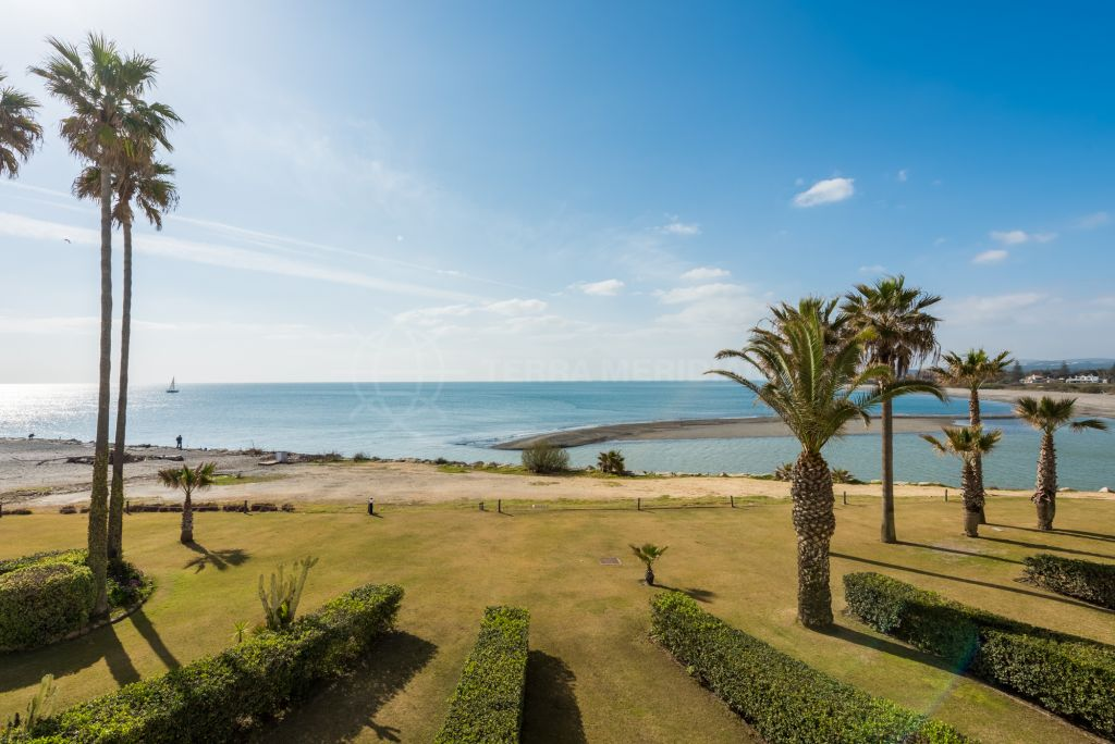 Sotogrande, Fabulous front line apartment for sale in Sotogrande, Cádiz