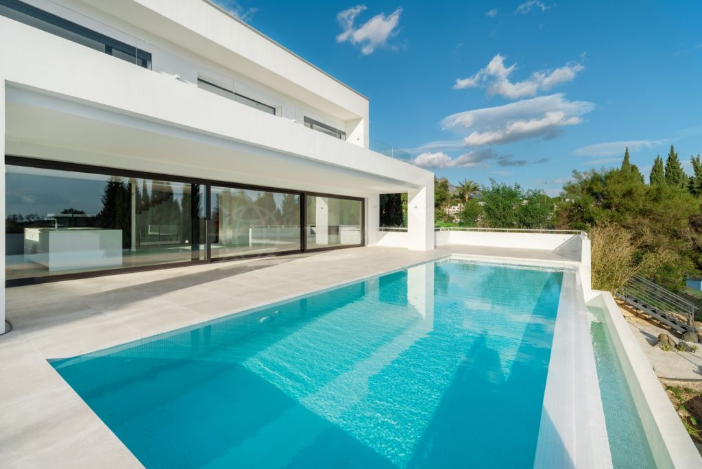 Benahavis, Superb contemporary villa for sale in Soto de la Quinta, Benahavis