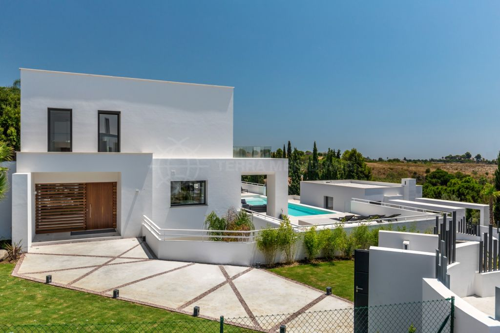 Benahavis, Contemporary luxury villa for sale in Soto de la Quinta, Benahavis