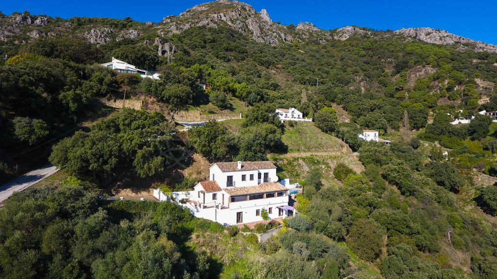 Casares, Superb country home with panoramic views for sale in Casares, Málaga