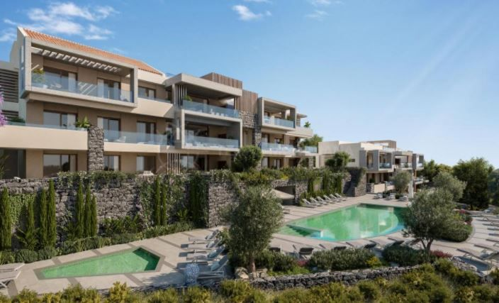 Benahavis, Unique contemporary ground floor apartment with garden in spectacular surroundings for sale in La Quinta, Benahavis