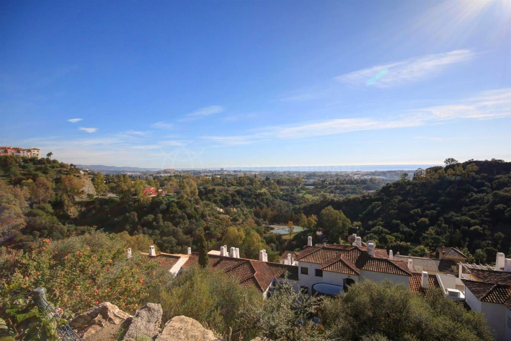 Benahavis, Plot for Sale in Puerto del Almendro, Benahavis with panoramic golf and sea views