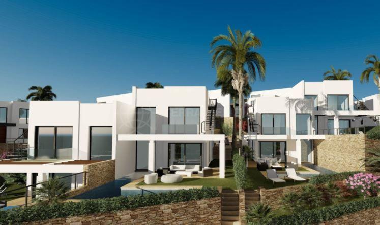 Marbella East, Fabulous frontline golf luxury villa for sale in Cabopino, Marbella East