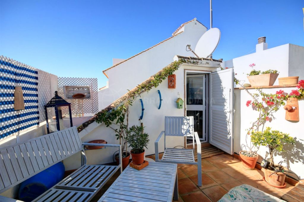 Estepona, Very charming townhouse for sale in move in condition, located in the old town center of Estepona