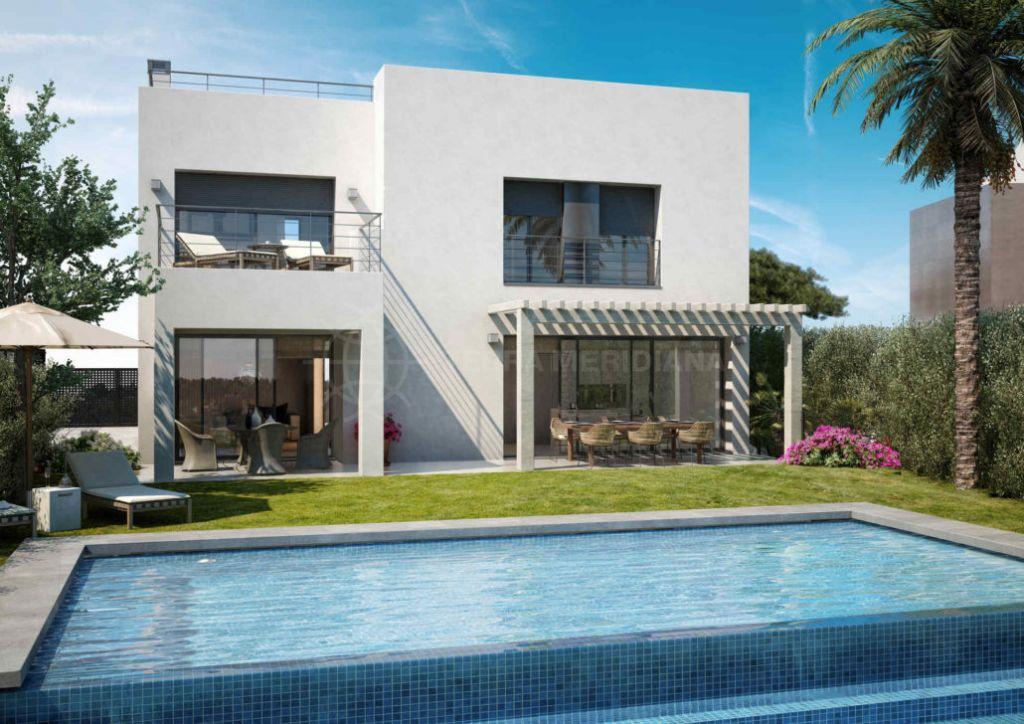 Estepona, Exceptional contemporary villa for sale in La Resina Golf, Estepona