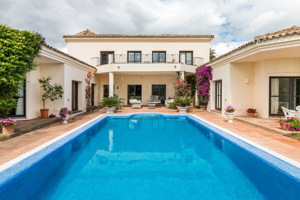 Sotogrande, Spacious and elegant villa for sale in Almenara, Sotogrande, Cádiz