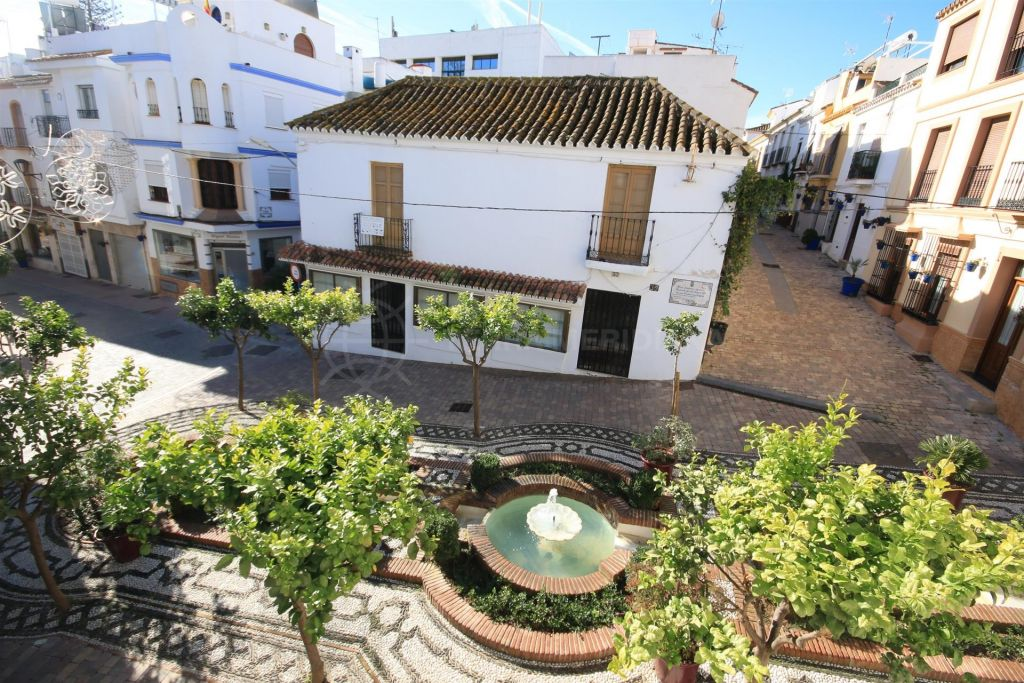 Estepona, Townhouse to renovate in the heart of the old town of Estepona, 2 minutes to the beach
