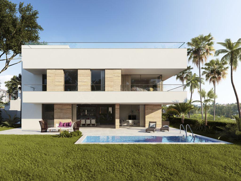 Estepona, Brand new luxury and contemporary villa for sale in El Campanario, Estepona