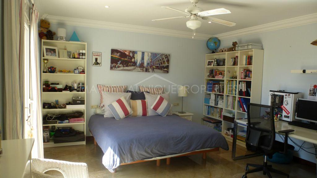 A fabulous 6 bedroom family home in Sierra Blanca