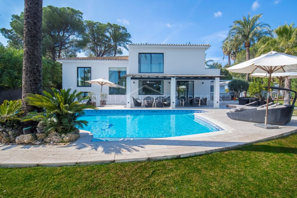 Spectacular contemporary villa for sale and rent in Las Brisas